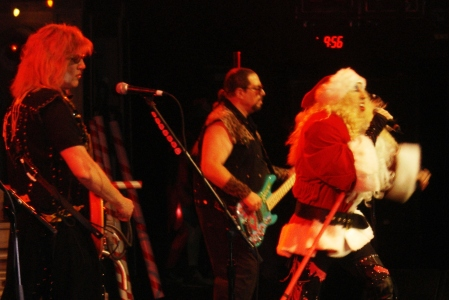 12-05-08-dee-santa-and-jay-jay